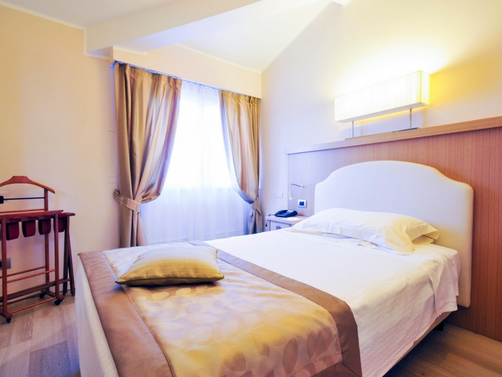 Номер Deluxe Single Hotel Sirmione Озеро Гарда