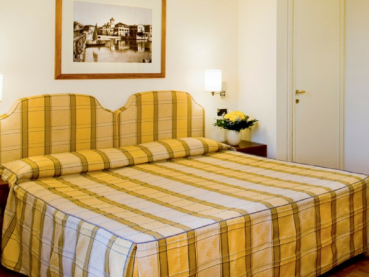 Номер Economy Hotel Sirmione Озеро Гарда