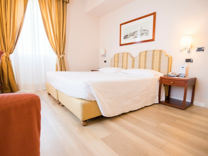 Номер Lake View Hotel Sirmione Озеро Гарда