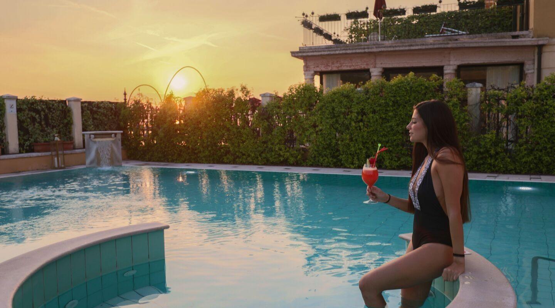 piscina esterna  terme di sirmione hotel promessi sposi